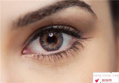 眉毛整形手术矫正效果_眉整形手术能调整上眼睑下垂