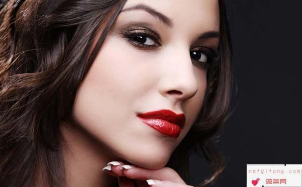 玻尿酸隆鼻手术多长时间能够化妆呢?