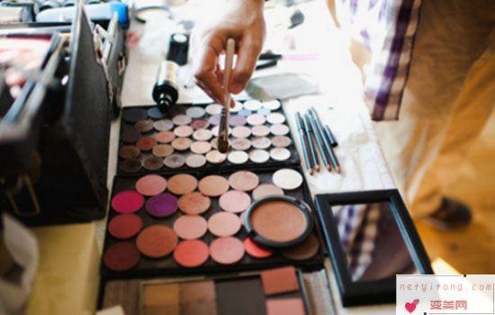 啫喱膏有没有保质期 过期的化妆品怎么用