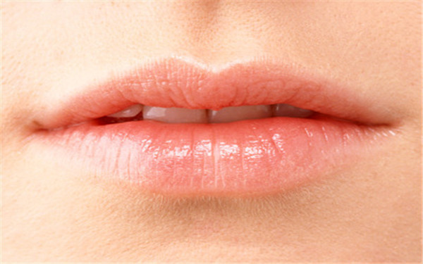 嘴唇里面长泡应该怎么办?