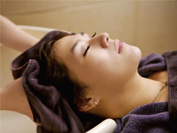 什么洗发水控油效果好 好用的控油洗发水推荐