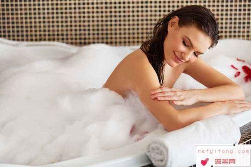 手术前洗澡,保持身体清洁,减少手术感染的概率