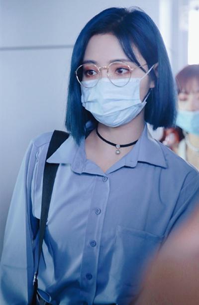 许佳琪成团后首次机场照