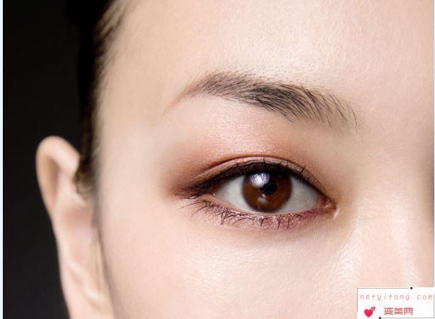 这2种韩式割双眼皮的方法哪一个好