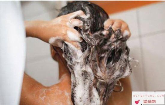 头发干燥怎么护理才能柔顺 做柔顺有用吗