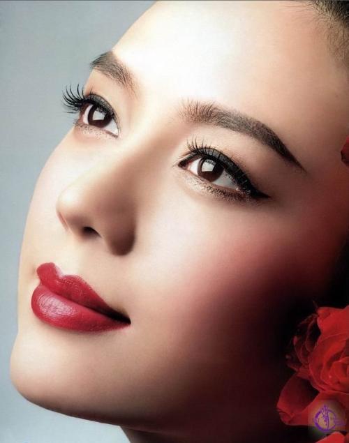 双眼皮手术千万别随便做,因为做完后,你会发现还想继续变美